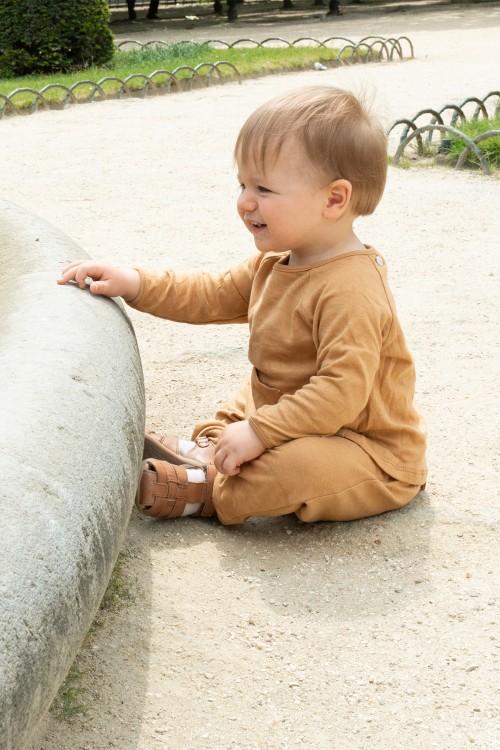 ensemble de pyjama bébé en coton bio marron