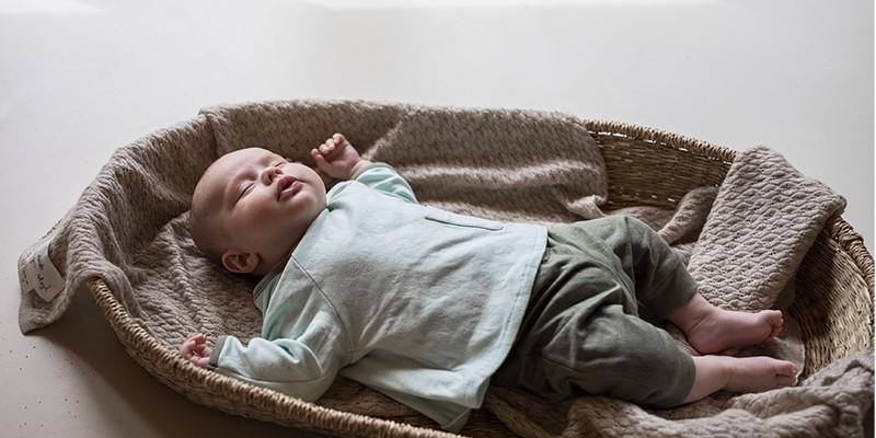 Cadeau de naissance : vêtements en coton bio par Risu-Risu
