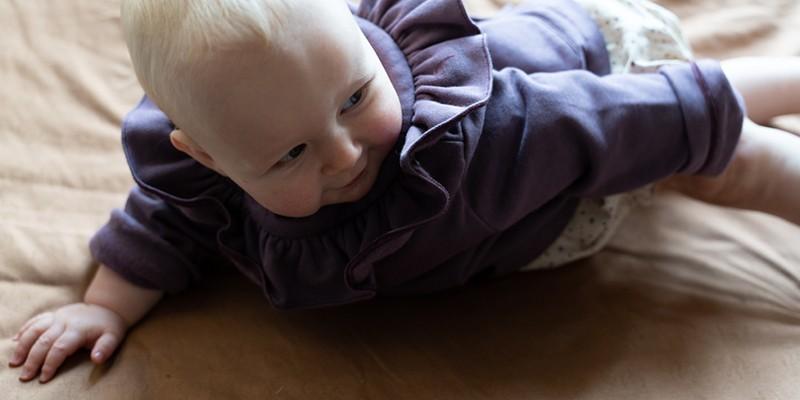 pull cardigans et veste bébé risu risu en coton laine biologique