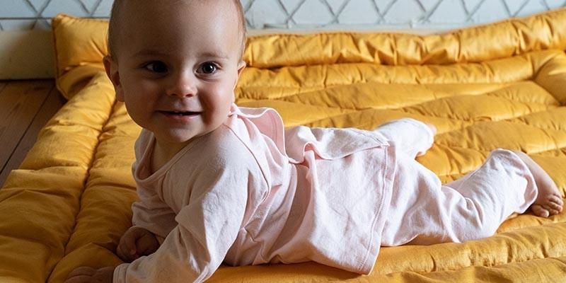 pyjamas et body en coton bio risu risu pour bébé de 0 à 24 mois