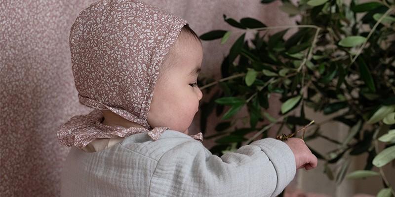 Chapeaux, bonnets, chaussons et accessoires bébé en coton bio
