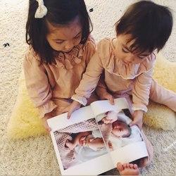 Sisters💕 duo en jersey praline et dentelle de coton🌸 On adore voir vos enfants en @risurisuparis  Merci @lafamillefenech, vous aussi, n'hésitez pas à partager, vous êtes notre meilleur soutien! . We are fond of your children wearing RISU.RISU clothes, thank you for sharing! Sweetness of praline pink color  . . #sisters #regram #sundaymood #berisurisu #organiccotton #pyjamasenfants